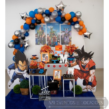 Dragon Ball - Cenário 2.4m - Modelo 1