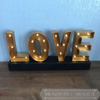 Love Dourado - Placa luminosa 38cm (C) x 18.5cm (A) Metal